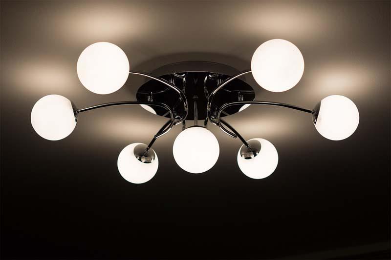 Gabinet w dobrym świetle – rola oświetlenia